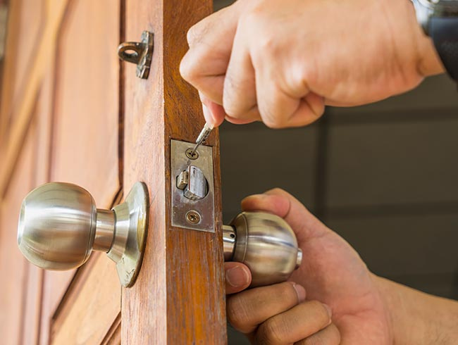 lock fitting in beckenham